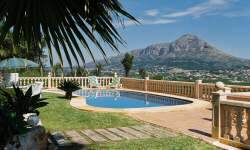 Click to view our 3 bedroom holiday Javea villa rentals with wifi