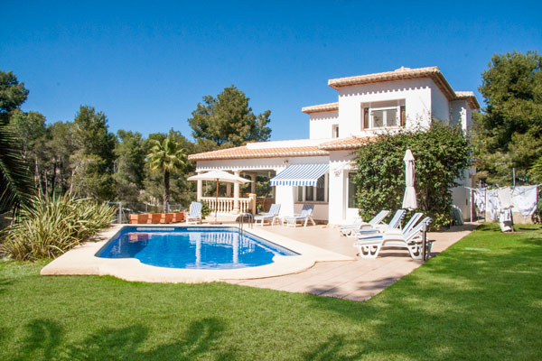 Luxury Villa in Javea with wifi and aircon and 4 bedrooms